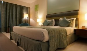 How to Pick the Right Hotel for Senior Travelers